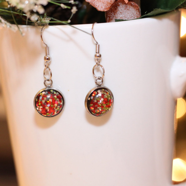 red green silver xmas earrings