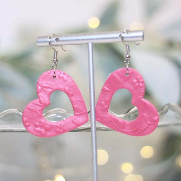 pink heart valentine earrings