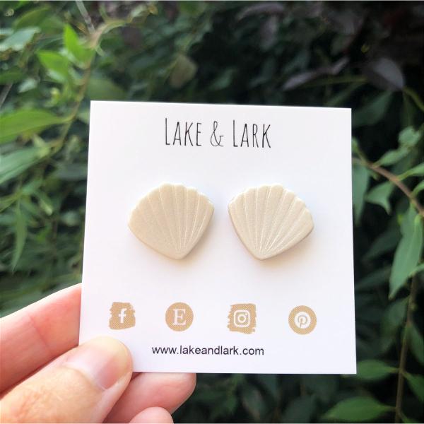 shimmery white seashell beach jewelry