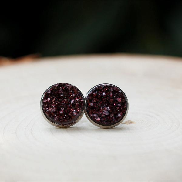 maroon stud earrings